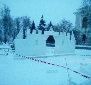 Всі Суми - В Сумах создают ледяные скульптуры: как это выглядит (+ФОТО)