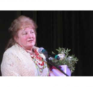 Всі Суми - У Сумах нагорородили поетесу Людмилу РОМЕН відзнакою «За заслуги перед містом» ІІІ ступеня