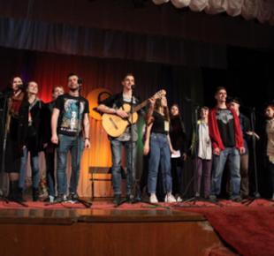 """Всі Суми - У Сумах відбувся Міжнародний фестиваль авторської пісні та співаної поезії """"Булат"""""""