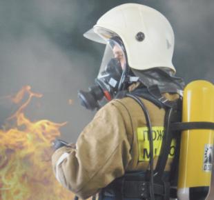 Всі Суми - В Сумах тушили пожар в частном секторе