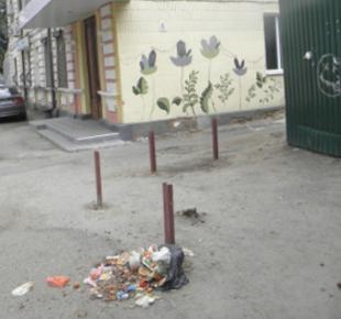 Всі Суми - В центре Сум не убирают мусор