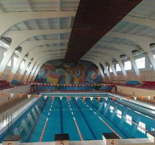 Всі Суми - На Сумщине аппаратное совещание провели... в бассейне