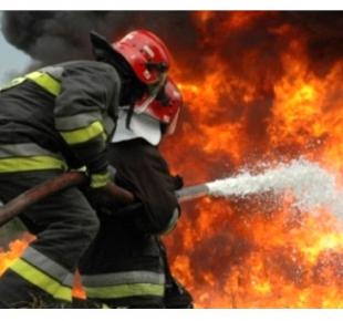 Всі Суми - В Сумах спасатели тушили кухню в центре Сум (видео)