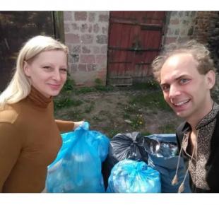 Всі Суми - Житель Сумщины сортирует мусор, чтобы спасти архитектурную памятку (фото)