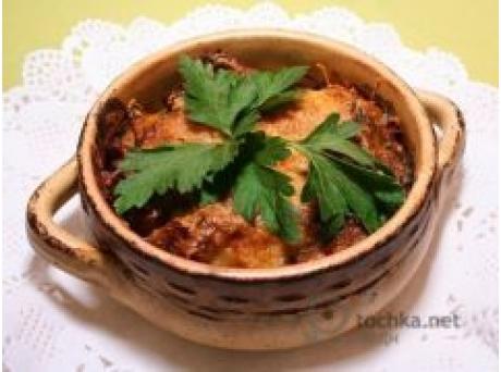 Создание этого блюда обязывает покупку этих ингридиентов:форель - 1 кгзеленый лук - 1/2 пучкашампиньоны