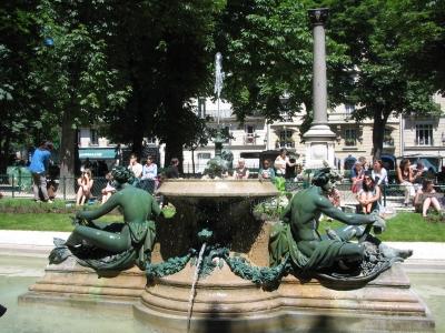 Парижане обожают фонтаны