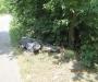 На Сумщине мотоцикл вылетел на обочину и врезался в дерево, двое мужчин скончались на месте (фото)