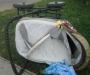 В Сумах велосипедист наехал на коляску с ребенком и скрылся