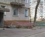 На Сумщине с многоэтажки выпал молодой парень (фото)