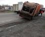 В Сумах мусоровоз практически потерял мусорный бункер